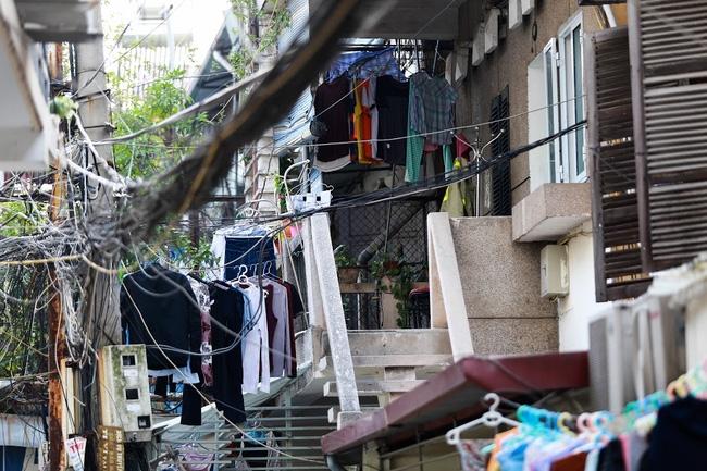 Chỉ có những cô gái Hà Nội mới hiểu, thế nào là mùa giặt 1 cái quần 5 ngày không khô... - Ảnh 8.