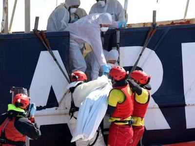 Chìm tàu ngoài khơi biển Libya, hơn 200 người có thể đã thiệt mạng