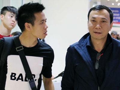Tuyển thủ Việt gặp trục trặc nhập cảnh đá vòng loại Asian Cup