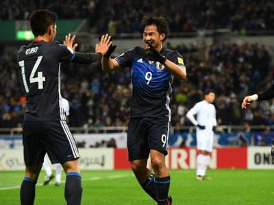 Thắng đậm Thái Lan, Nhật Bản đến gần với vòng chung kết World Cup 2018