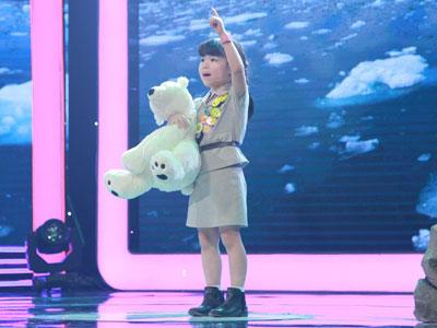 Trấn Thành khâm phục tài năng của cô bé 5 tuổi nói tiếng Anh như gió