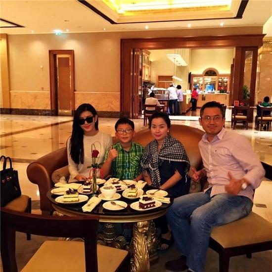 Tin tức showbiz, tin tức giải trí, tin tức giải trí trong ngày, tin tức sao Việt,  Hoài Linh, Kỳ Hân, Huyền My, Phan Đinh Tùng, Ngọc Trinh.