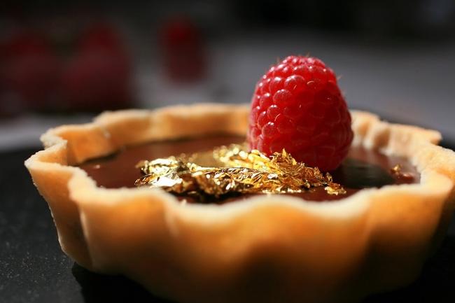 Dát vàng lên đồ ăn - Tốt cho sức khỏe hay chỉ là thú vui xa xỉ? - Ảnh 2.