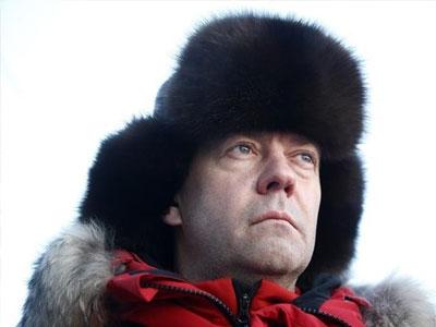 Thủ tướng Medvedev: Mỹ còn