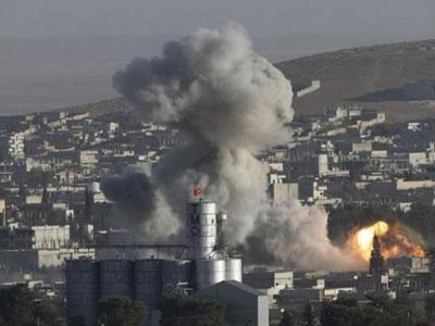 Mỹ không kích trúng kho vũ khí hóa học ở Syria, hàng trăm người chết?