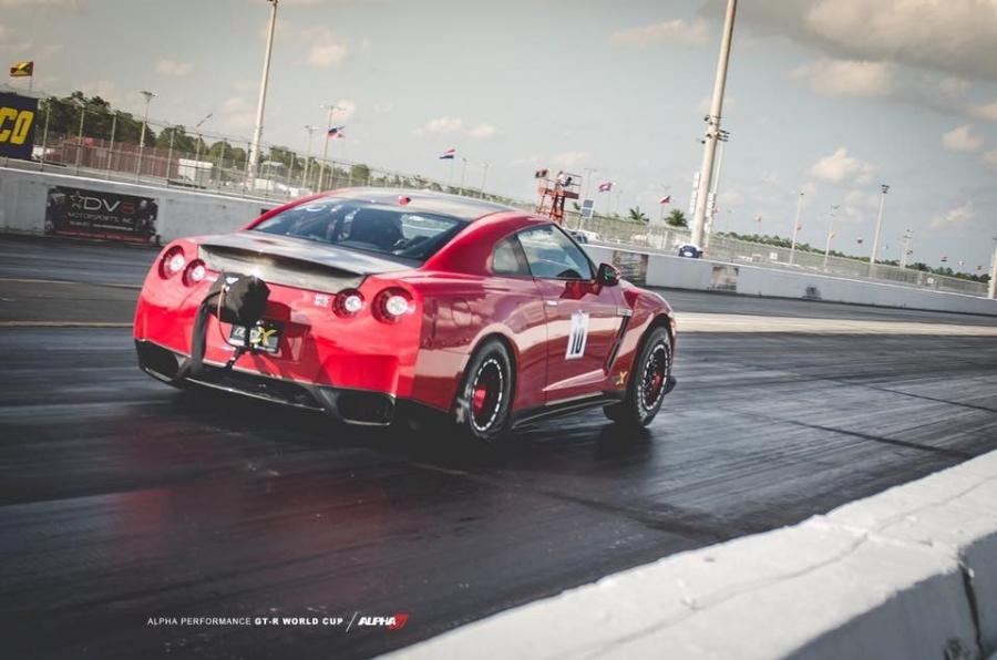 10 chiếc Nissan GT-R tăng tốc nhanh nhất thế giới - 9