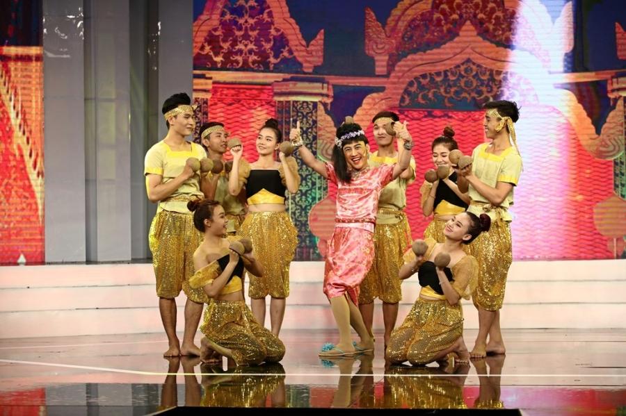 Việt Trinh nín thở vì màn ảo thuật nguy hiểm của Võ Minh Lâm - 7