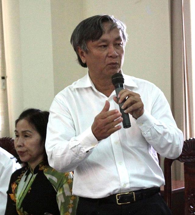 Ông Lê Thanh Liêm - Nguyên Giám đốc Sở Y tế Long An trình bày sự việc.