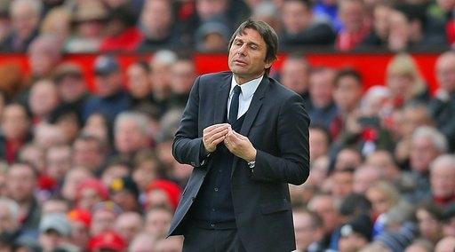 HLV Conte không hài lòng với quyết định của trọng tài