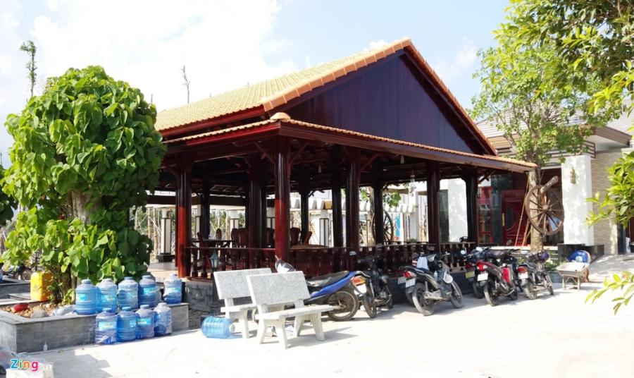 Ben trong khu biet thu rong 6.500 m2 xay trai phep cua TGD o Soc Trang hinh anh 13