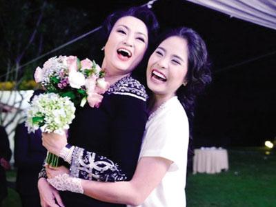 Sao Việt sống với mẹ chồng: Cuộc đời nở hoa hay địa ngục bế tắc?