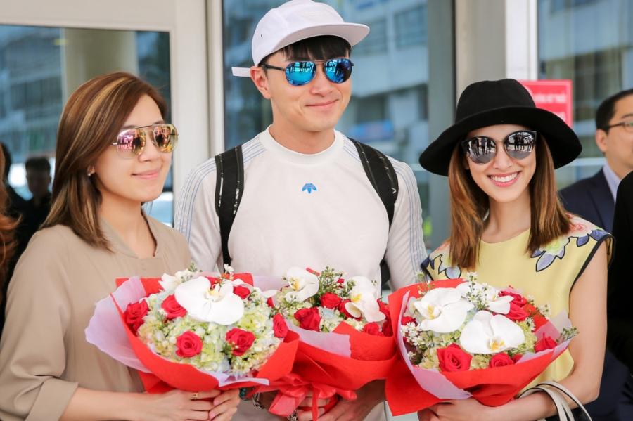 Hoa hau Hong Kong va dien vien TVB rang ro o san bay Tan Son Nhat hinh anh 3