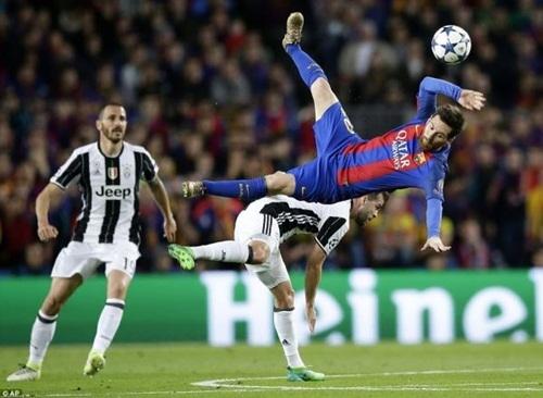 Messi bị kèm chặt trong trận tứ kết lượt về gặp Juventus