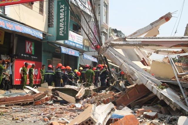 Ngôi nhà 296 trên đường Trần Hưng Đạo (TP Quy Nhơn) sập hoàn toàn làm 1 cụ ông 84 tuổi tử vong