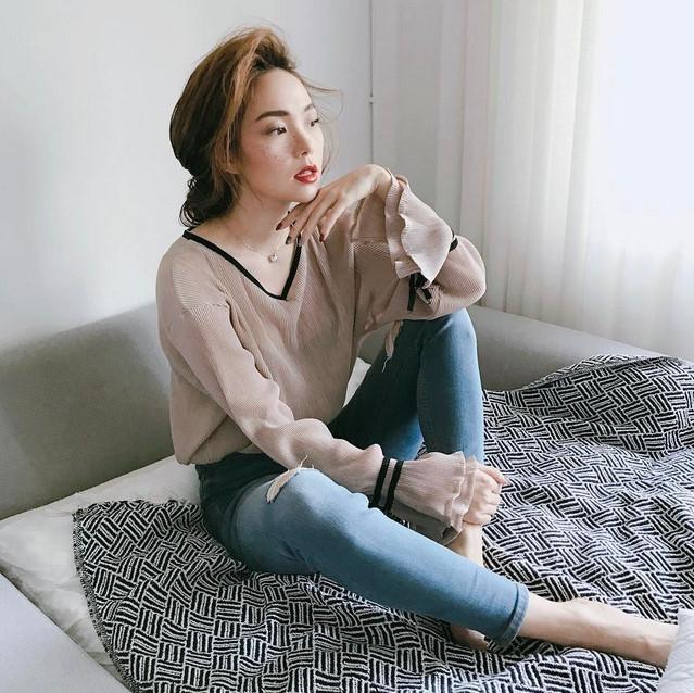 BST jeans rach giup Minh Hang an gian tuoi hinh anh 14