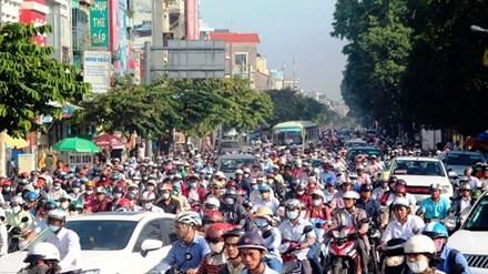Xe máy là phương tiện lưu thông chính của người dân thành phố