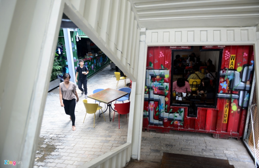 Gioi tre Sai Gon hao hung check-in khu nghe thuat bang container hinh anh 18