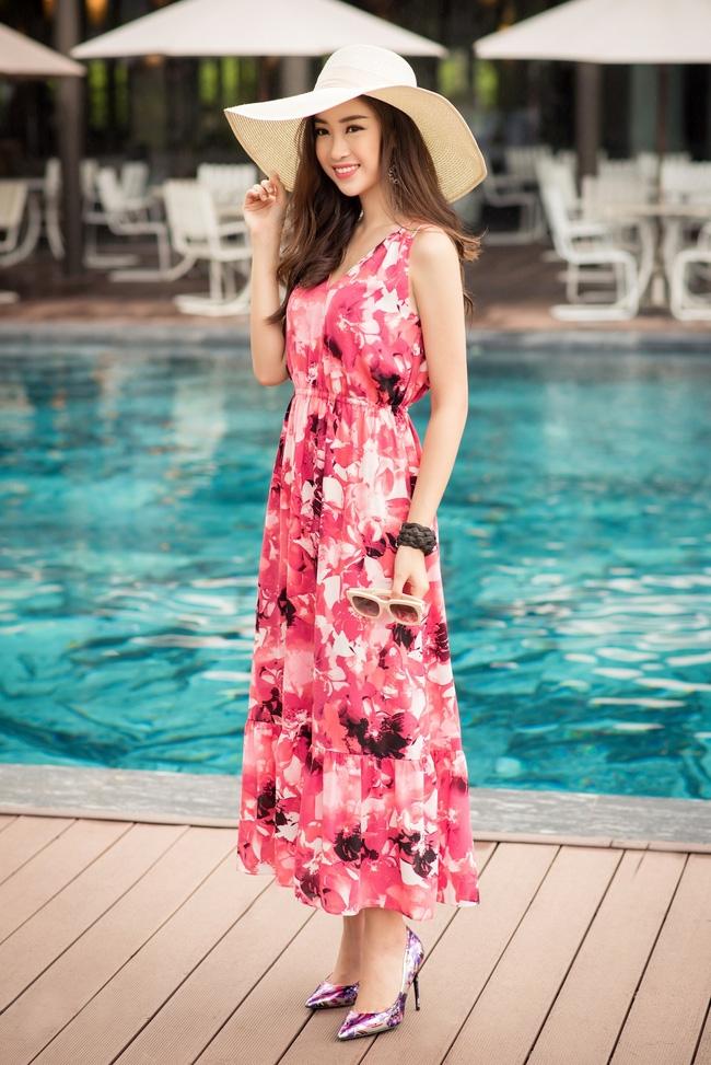 Hoa hậu Đỗ Mỹ Linh khoe vẻ đẹp trong sáng và nụ cười như mùa thu tỏa nắng - Ảnh 1.