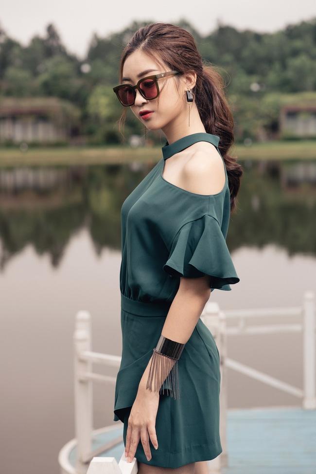 Hoa hậu Đỗ Mỹ Linh khoe vẻ đẹp trong sáng và nụ cười như mùa thu tỏa nắng - Ảnh 4.