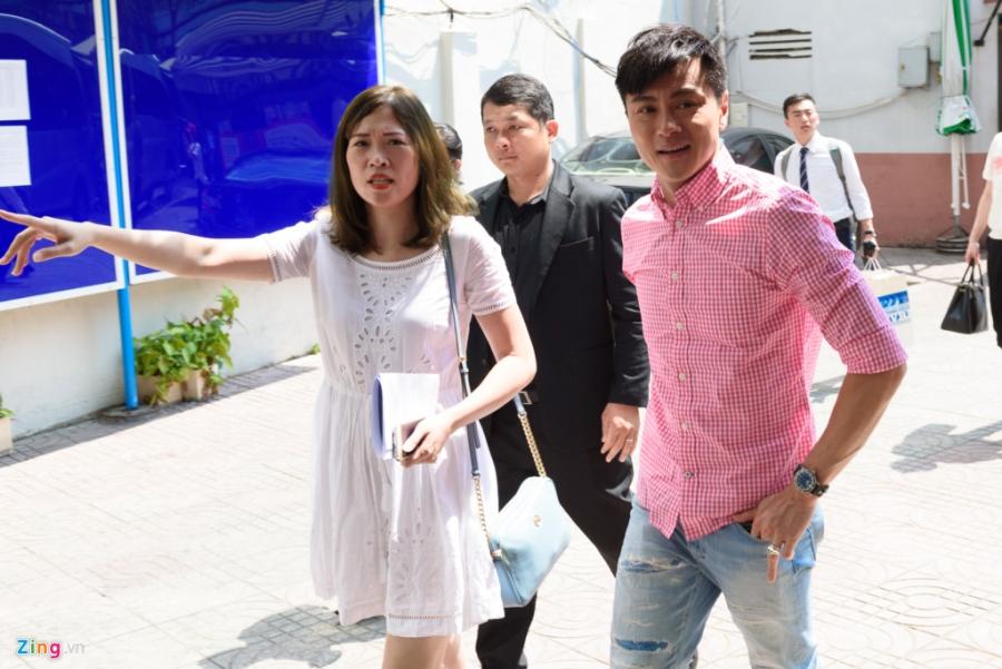 Hoa hau Hong Kong va sao TVB vui ve giao luu voi sinh vien Viet hinh anh 2