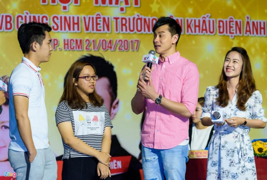 Hoa hau Hong Kong va sao TVB vui ve giao luu voi sinh vien Viet hinh anh 5