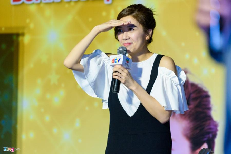 Hoa hau Hong Kong va sao TVB vui ve giao luu voi sinh vien Viet hinh anh 9