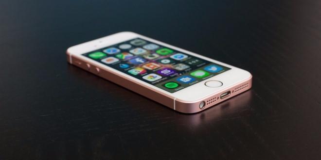 Vi sao iPhone SE dang dung hon iPhone 7? hinh anh 1