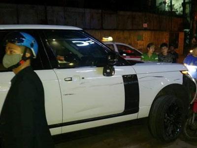 Range Rover gây tai nạn liên hoàn trên phố Hà Nội