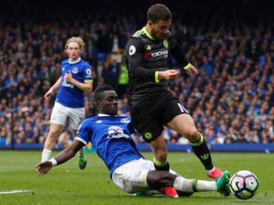 Chelsea hạ Everton, tiến sát ngôi vô địch