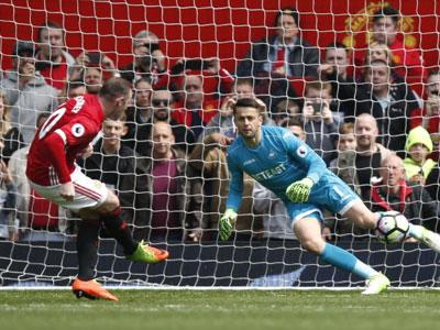 Swansea cầm chân M.U tại Old Trafford