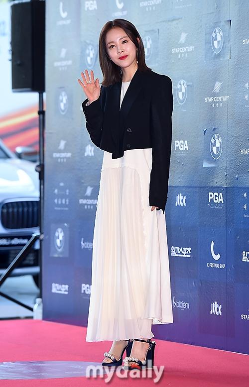 Park Shin Hye béo lên trông thấy khi xuất hiện cùng dàn sao Hàn trên thảm đỏ Baeksang 2017 - Ảnh 12.