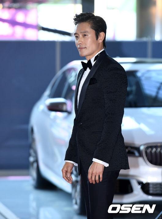 Park Shin Hye béo lên trông thấy khi xuất hiện cùng dàn sao Hàn trên thảm đỏ Baeksang 2017 - Ảnh 15.