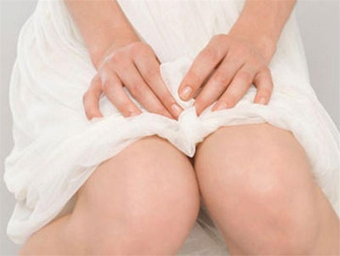Mụn rộp sinh dục điều trị có khó?