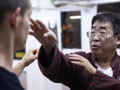 Sư đệ Lý Tiểu Long nói Vịnh Xuân quyền sẽ hạ gục Từ Hiểu Đông