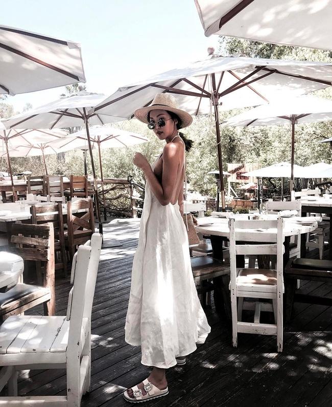 Thời tiết nắng nóng, các quý cô châu Á thi nhau mặc đồ cực mỏng và cực điệu - Ảnh 14.