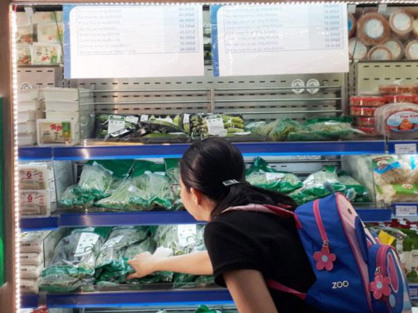 Dân Sài Gòn đổ xô mua rau hữu cơ giá gần 120.000 đồng/kg