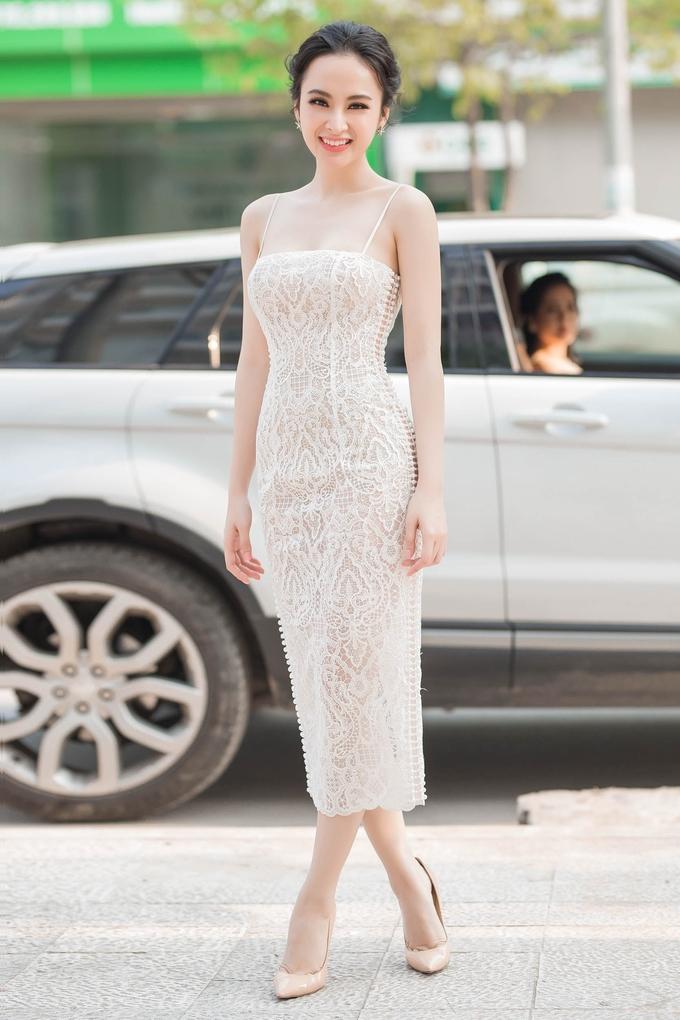 Angela Phương Trinh diện váy hai dây xuyên thấu