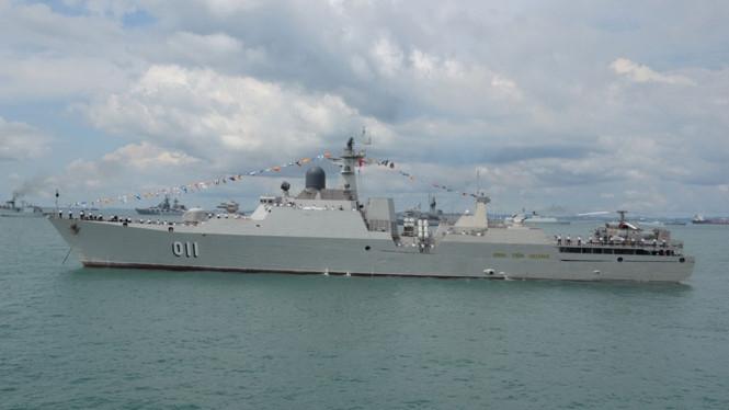 Tàu Đinh Tiên Hoàng tại quân cảng Changi /// Ảnh: Bộ Quốc phòng Singapore