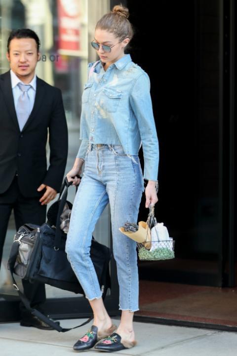 Hai mau jeans lung gia tren 5 trieu dong khien Gigi Hadid me man hinh anh 4