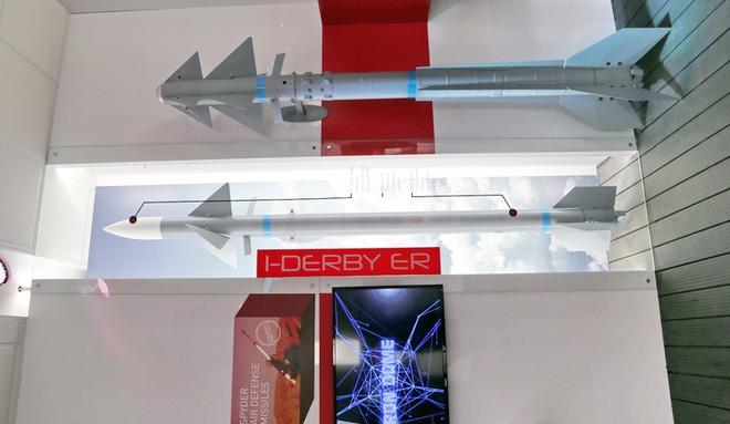 Vì sao nên cân nhắc tích hợp tên lửa Derby cho tiêm kích Su-27/30? - Ảnh 1.