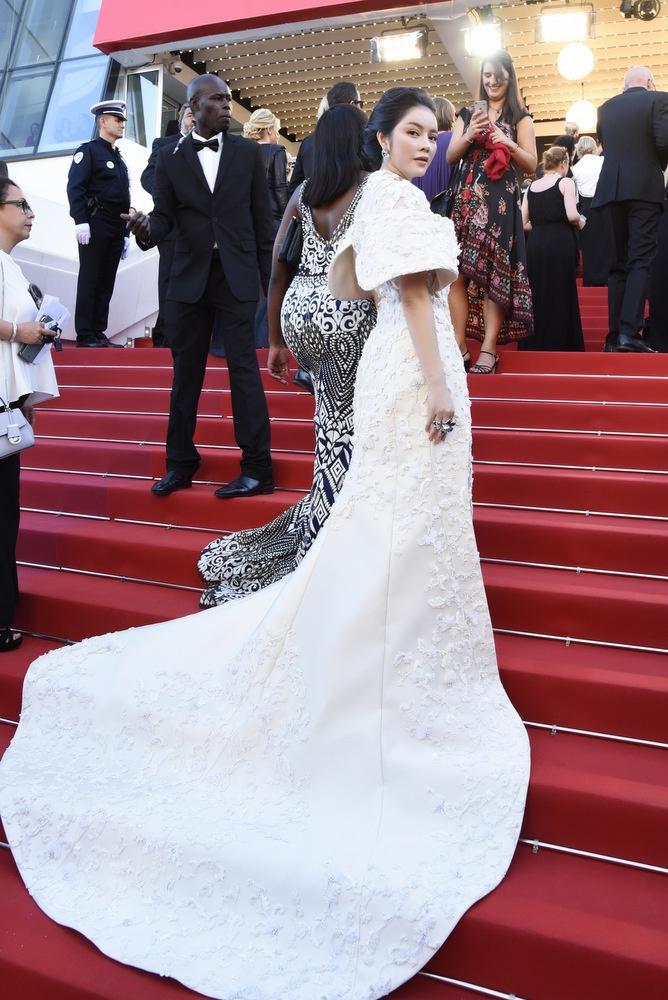 Lý Nhã Kỳ diện đầm cao cấp trong ngày khai mạc Cannes