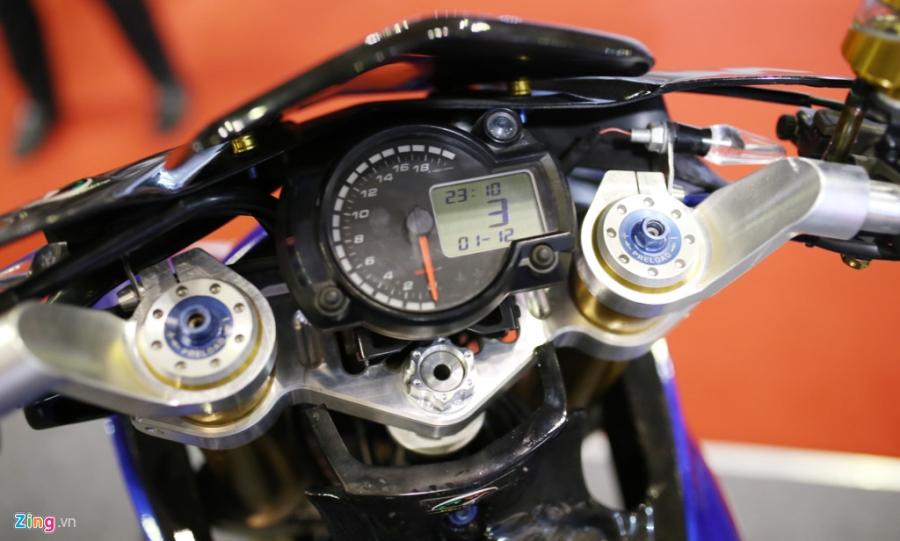 Exciter 150 do do choi hang hieu cua biker Sai Gon hinh anh 4