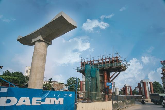 Công trình có chiều dài khoảng 12,5 km chạy dọc quốc lộ 32 từ Nhổn qua các đoạn đường Hồ Tùng Mậu - Cầu Giấy - Kim Mã - Núi Trúc - Cát Linh - Trần Quý Cáp và kết thúc ở ga Hà Nội.