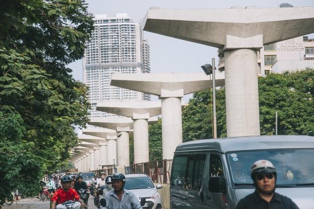 Tuyến đường sắt đô thị Nhổn - Ga Hà Nội là dự án trọng điểm của Hà Nội nhằm tăng cường năng lực cho hệ thống giao thông công cộng của thủ đô, dự kiến hoàn thành vào năm 2021.