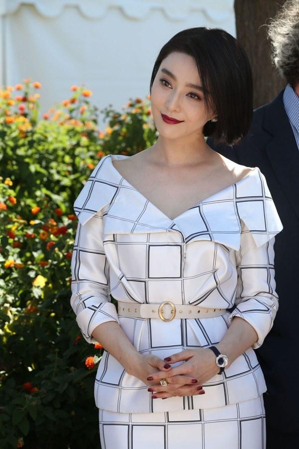 LHP Cannes 2017: Mặc Phạm Băng Băng làm giáo khảo, phim Trung vẫn bị thất sủng! - Ảnh 1.