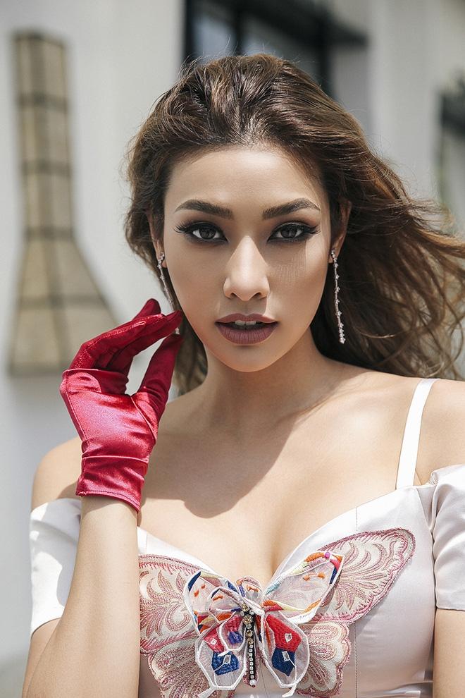 Lilly Nguyễn bất ngờ đòi thi Hoa hậu Hoàn vũ Việt Nam 2017 - Ảnh 1.