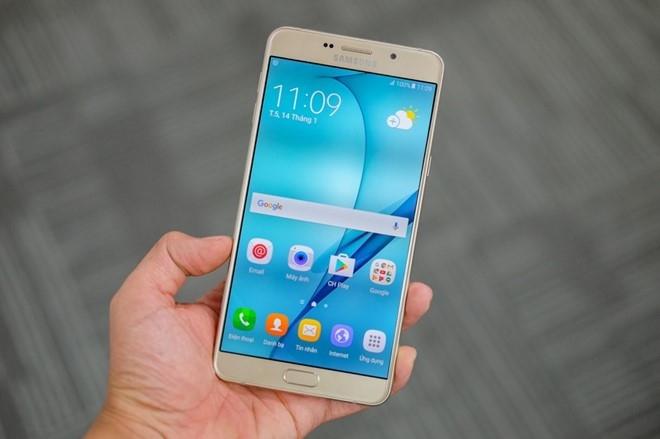 Loat smartphone hap dan trong tam gia 10 trieu hinh anh 5