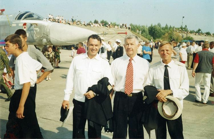 Viktor Pugachev - Kỷ lục gia thế giới trên tiêm kích Su-27 và mối quan hệ đặc biệt với KQVN - Ảnh 4.