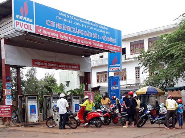 4 cửa hàng xăng dầu hoạt động