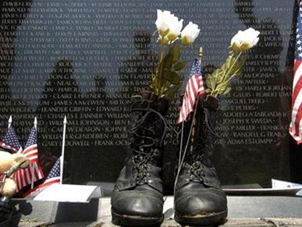 Mỹ bác đề xuất khắc thêm tên trên Bức tường Chiến tranh Việt Nam